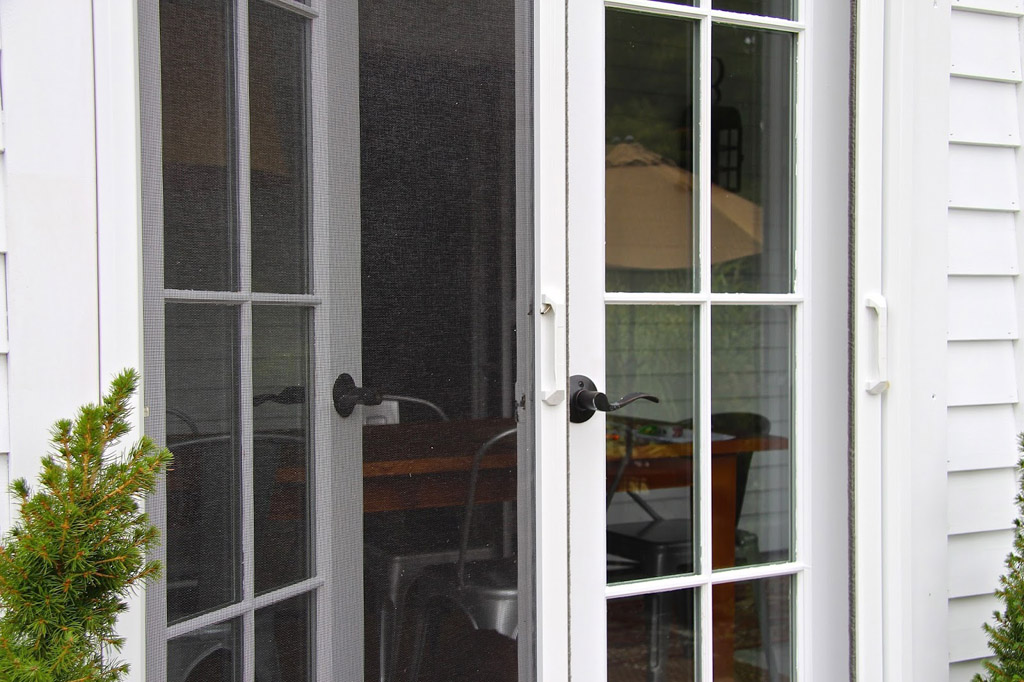 Retractable door screens screenwarehouseusa kansas for Retractable screen door for double french doors
