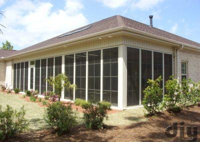 eze-breeze-vertical-four-track-cabana-door-white-frames-large-room